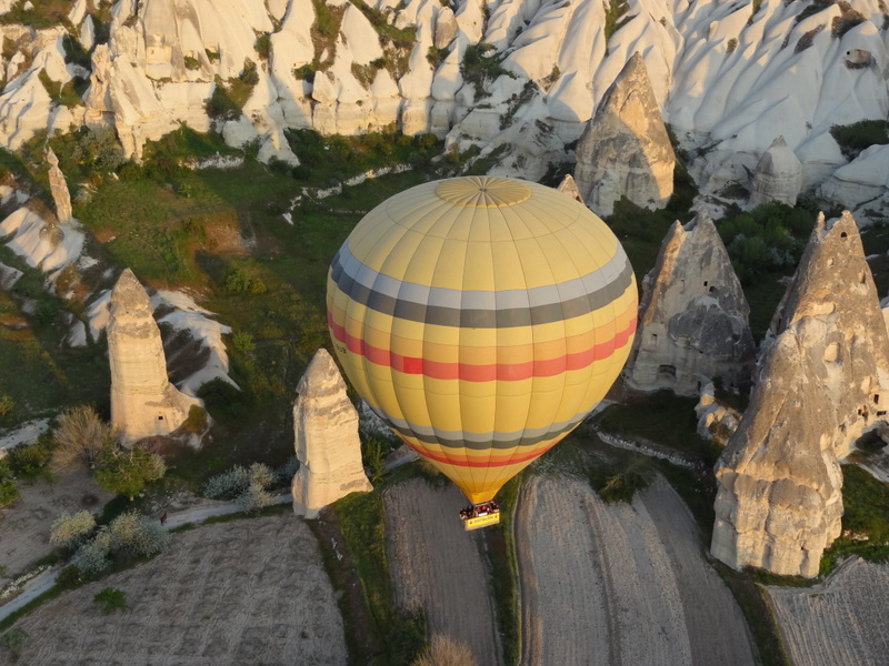 Survoler Les Cheminees De Fees En Cappadoce Turquie Eric The Trip